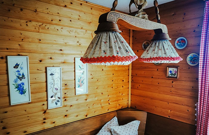 Beleutung-in-der-Hütte